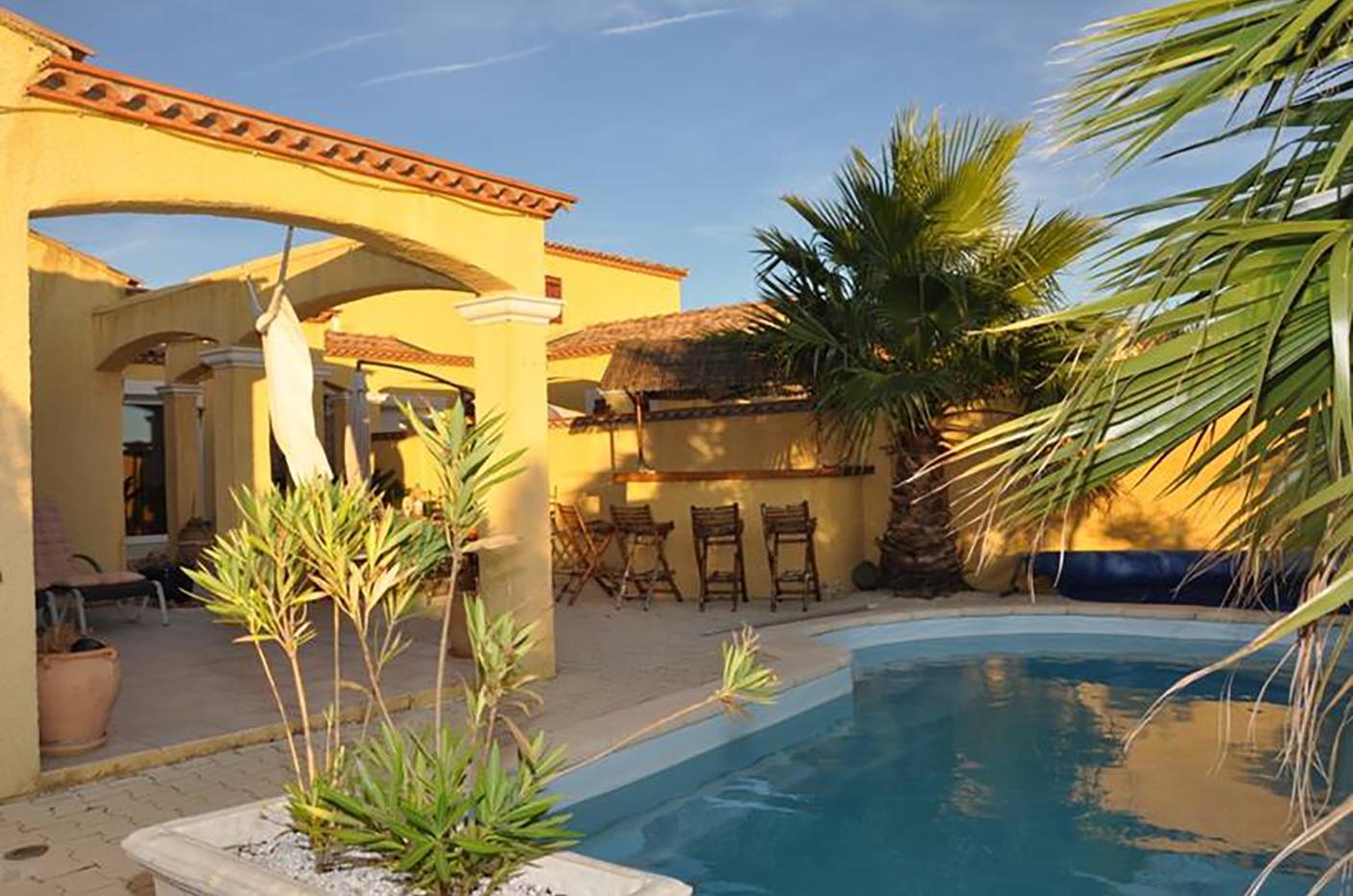FRANCE<br />Roujan (Languedoc)<br />Villa